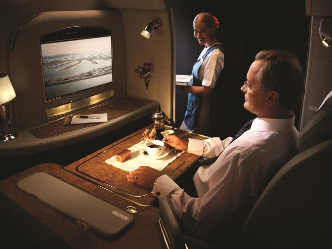 EMITARES BOEING 777 FIRST CLASS