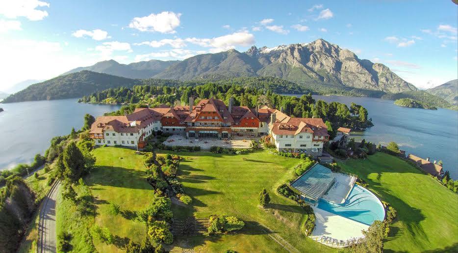 Cuando Aún La Región Era Territorio Nacional En 1934 Junto A Creación Del Parque Nahuel Huapi Se Decidió Construir Un Hotel Internacional Para